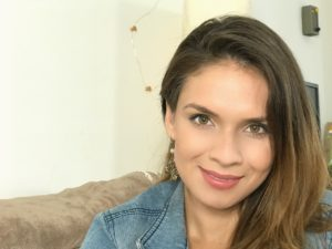 Diana Bustamante headshot