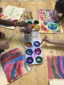 Studenten malen